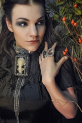 Crystal Dothraki Collection - Tyrion Necklace, Cameo Skull Ring & Mirror-Mirror Ring