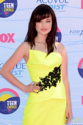 Ashley Rickards - Teen Choice Awards 2012 - Evil Pawn Jewelry - Mirror Mirror Ring and Gilda Earrings